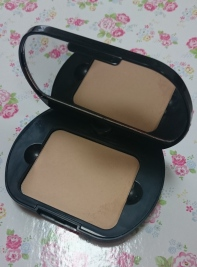 Bourjois-Silk-Edition-Compact-Powder-and-Mirror
